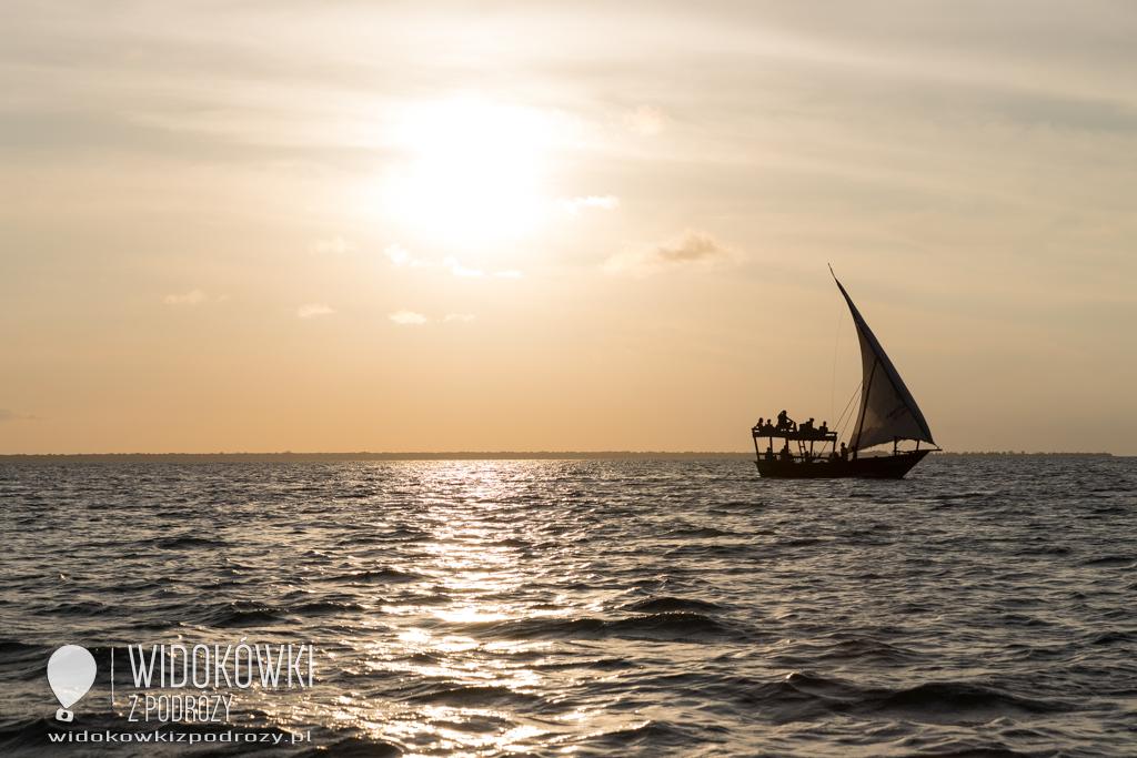Romantyczny zachód słońca, czyli plaże Nungwi na Zanzibarze