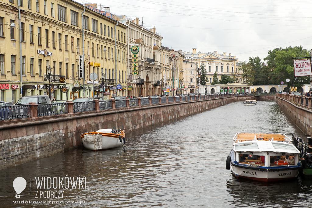 Na lewo most, na prawo most, a dołem rzeka płynie… czyli Newa w Petersburgu