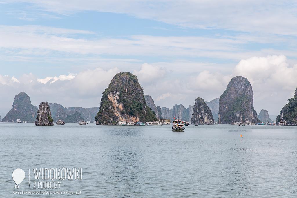 Zatoka Ha Long, czyli miejsce, gdzie smok schodzi do morza