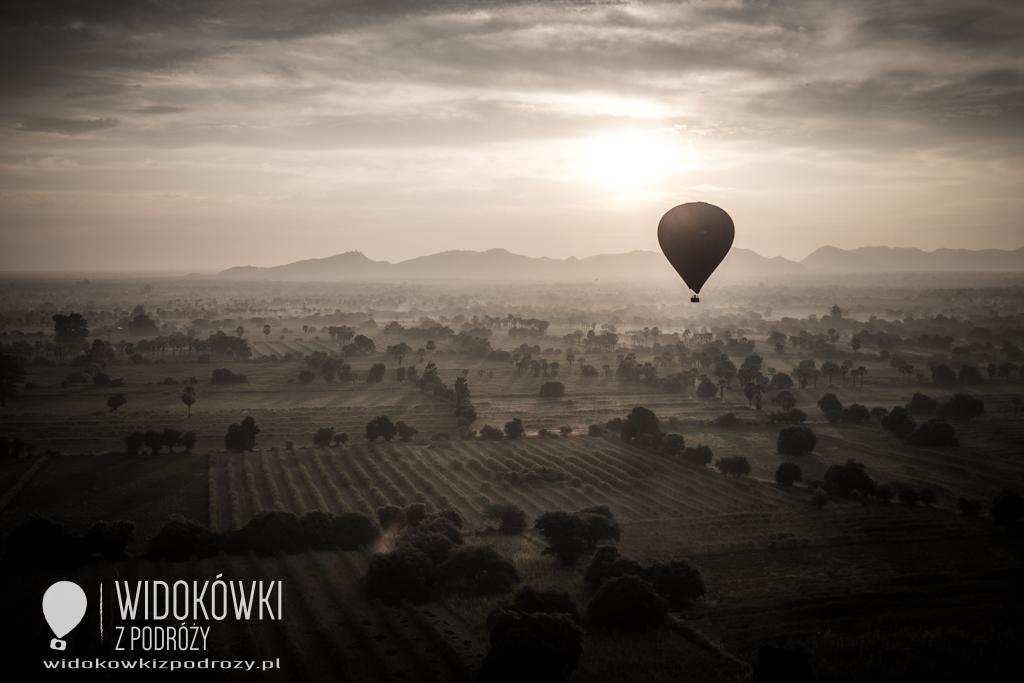 "Robert, przeleć nas balonem…, czyli ""Baloons over Bagan"""